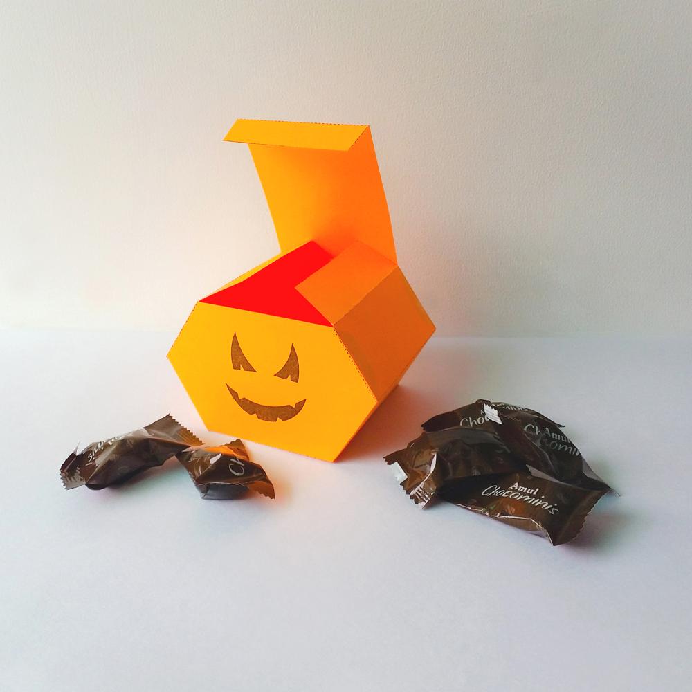 DIY Pumkin favor - 3d papercraft example image 3