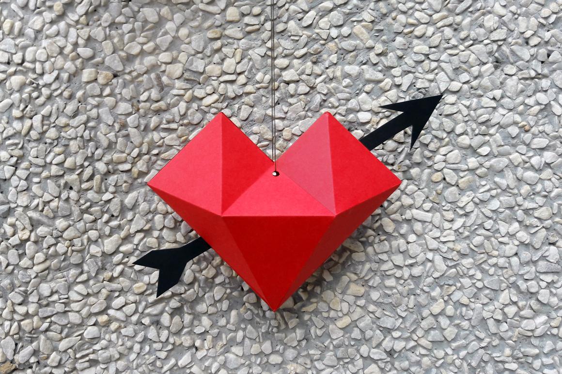 DIY Heart dangler - 3d papercraft example image 3