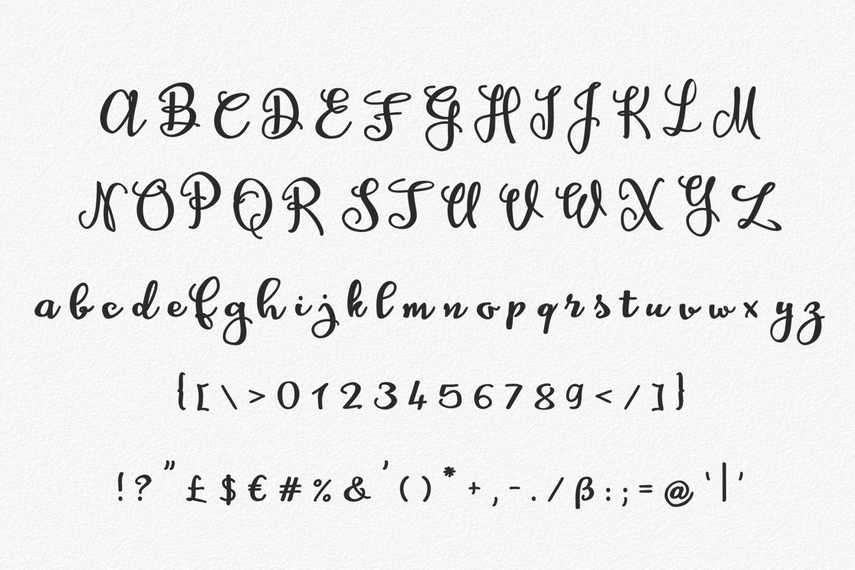 Amagh Font example image 4