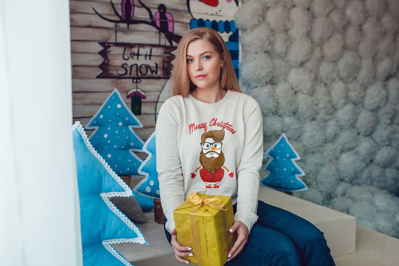 Christmas Sweatshirt Mock-Up Vol.2 example image 8