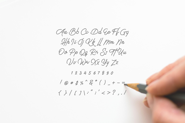 Hallilintar | Modern Font example image 6