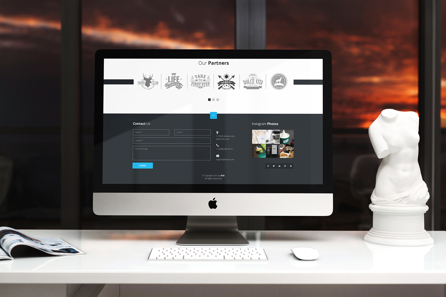 iMac Mock-Up's Clean Style example image 4