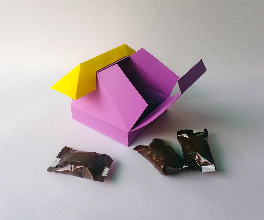 DIY Telephone favor - 3d papercraft example image 3