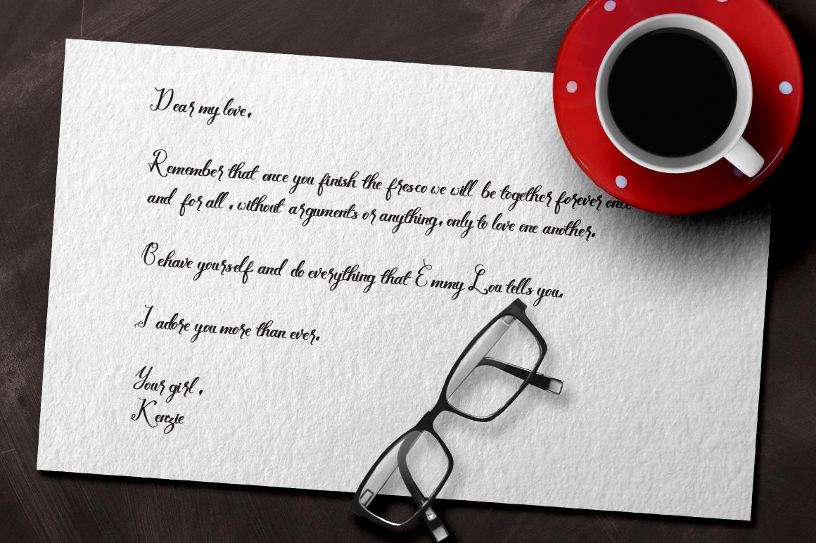 Lovely Kenzie Typeface example image 2