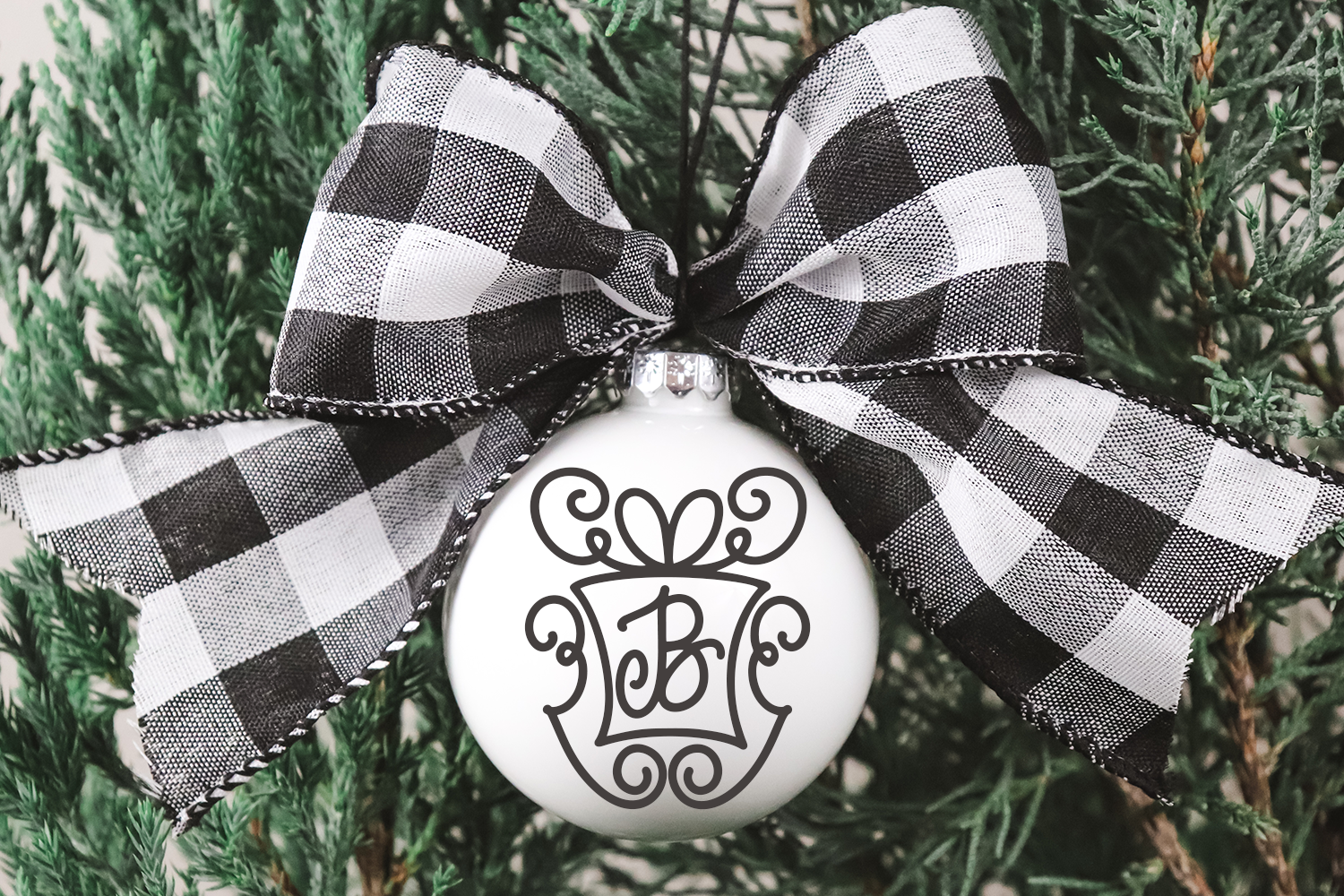 Christmasgram - A Hand-Written Monogram Font With SVG example image 3
