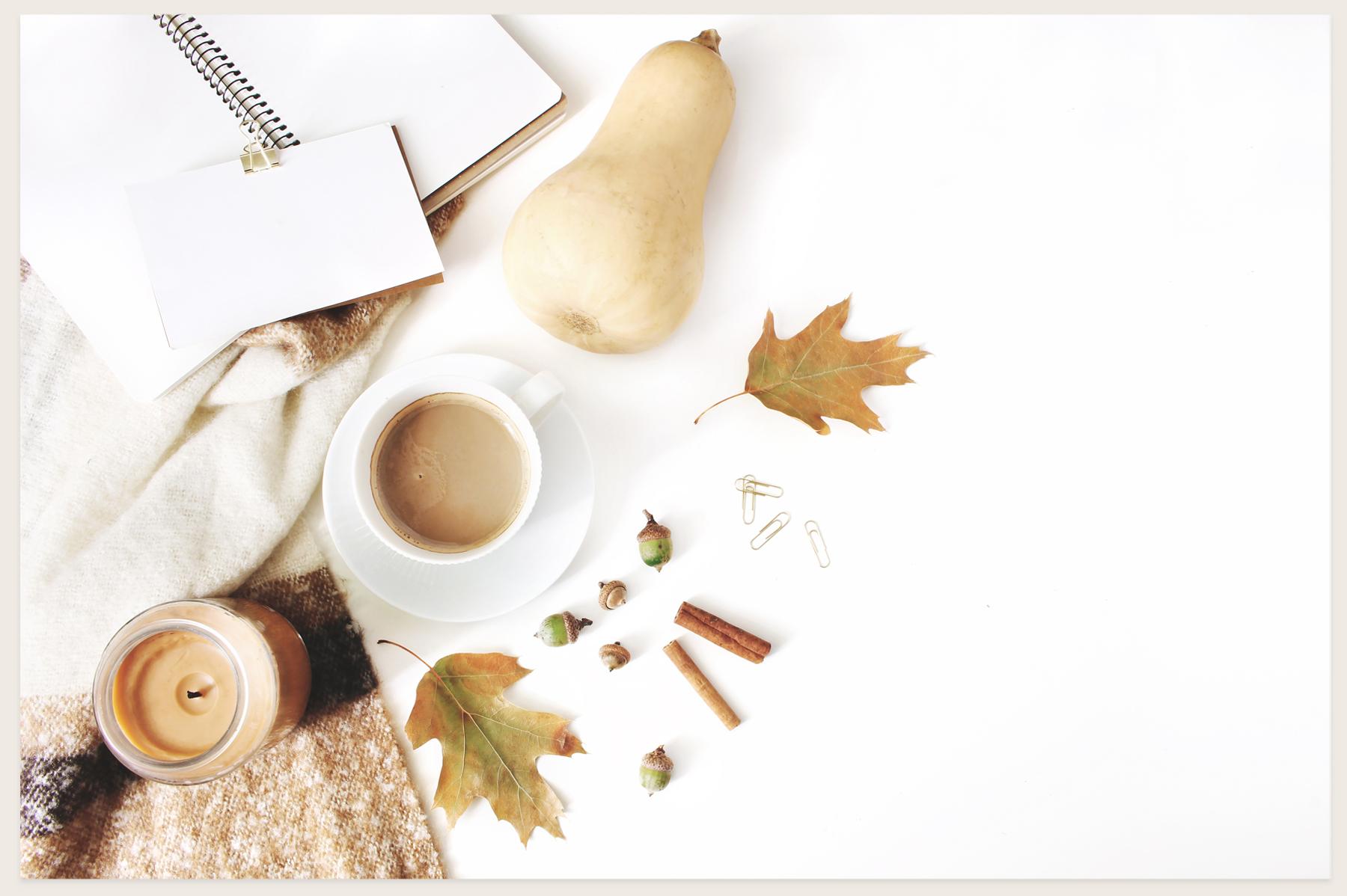 20 Charming autumn mockups & stock photo bundle example image 6