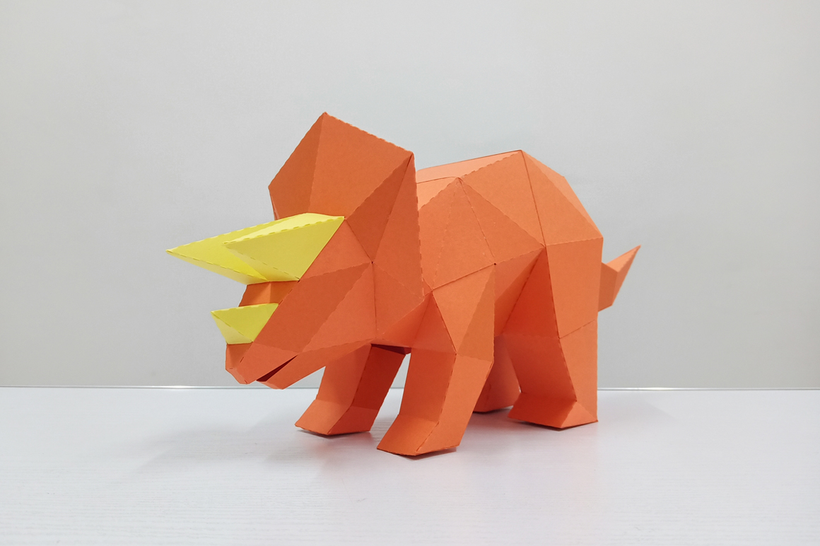 DIY Triceratops - 3d papercraft example image 3