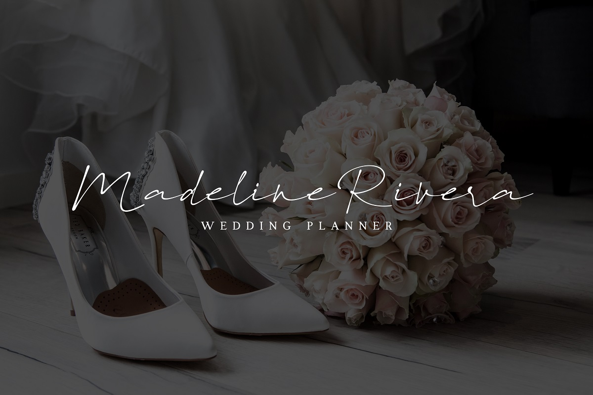 Paragon Luxury Signature Font example image 7