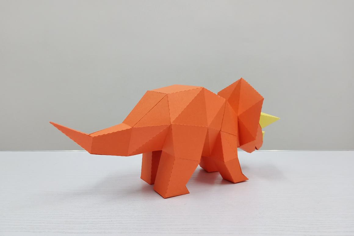 DIY Triceratops - 3d papercraft example image 2