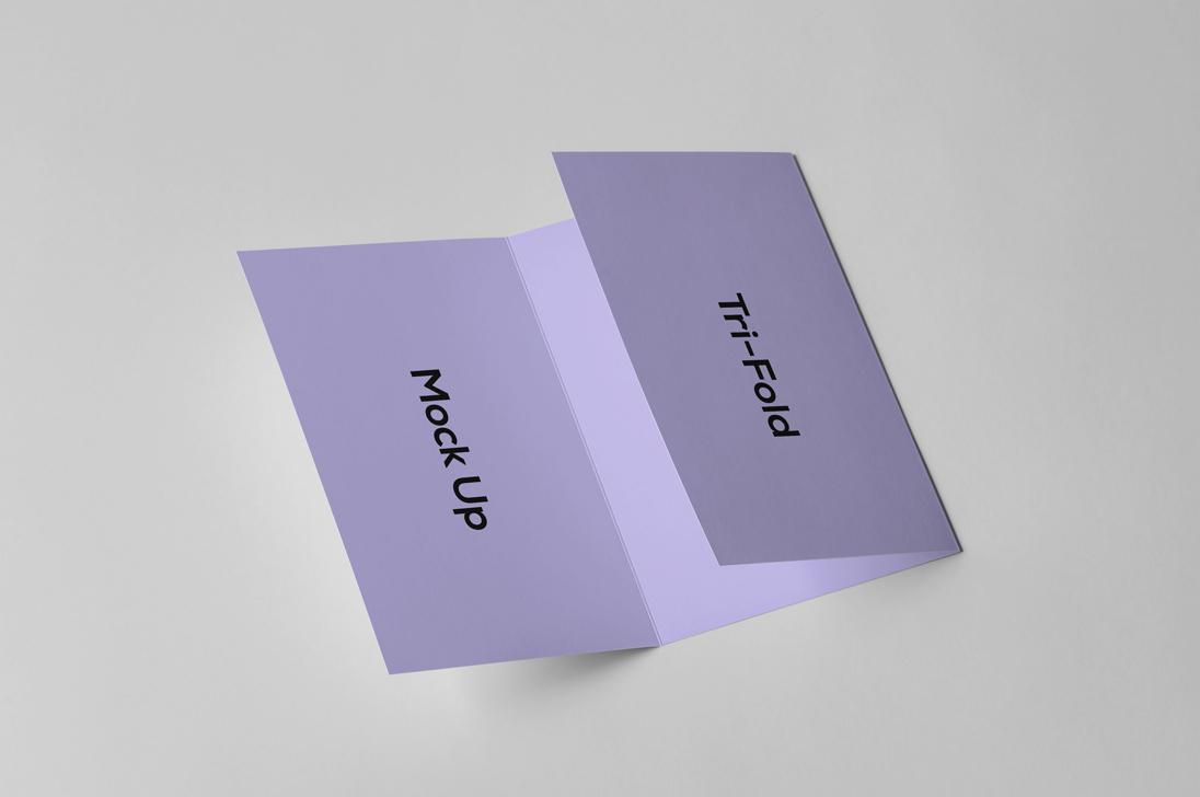 Brochure Mock up example image 3