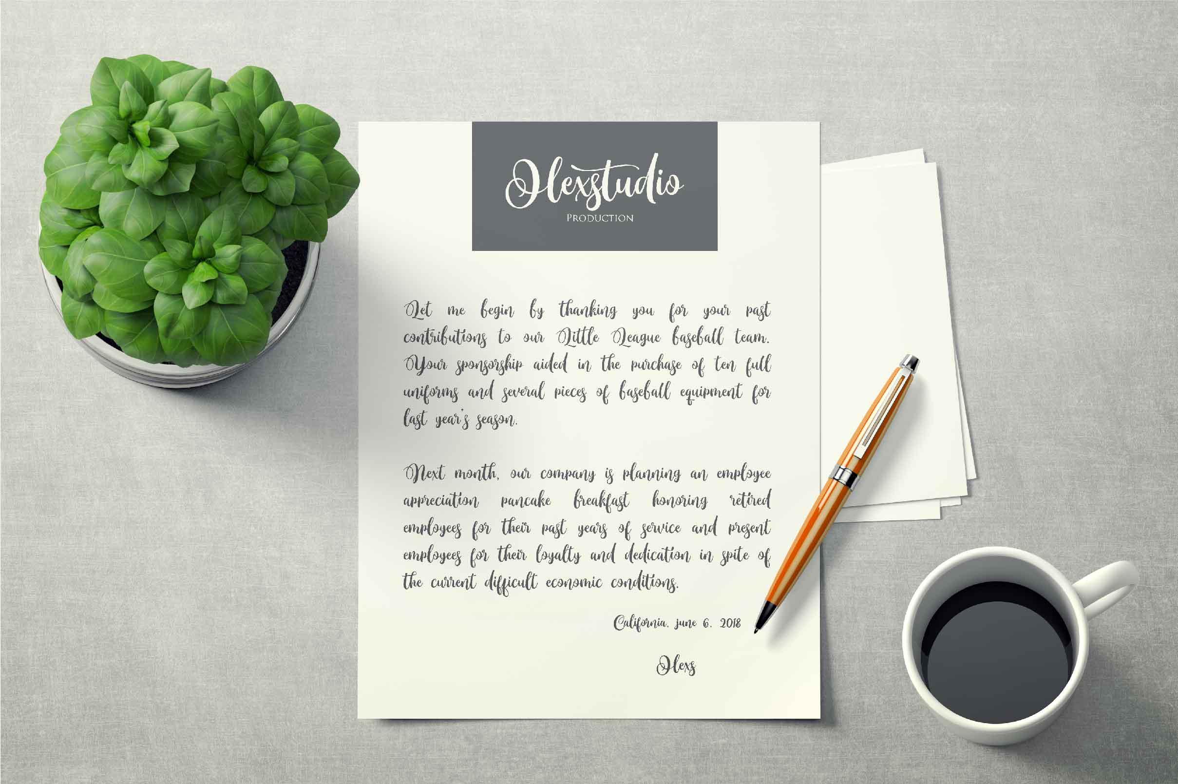 Monttassic - Luxury Script Font example image 5