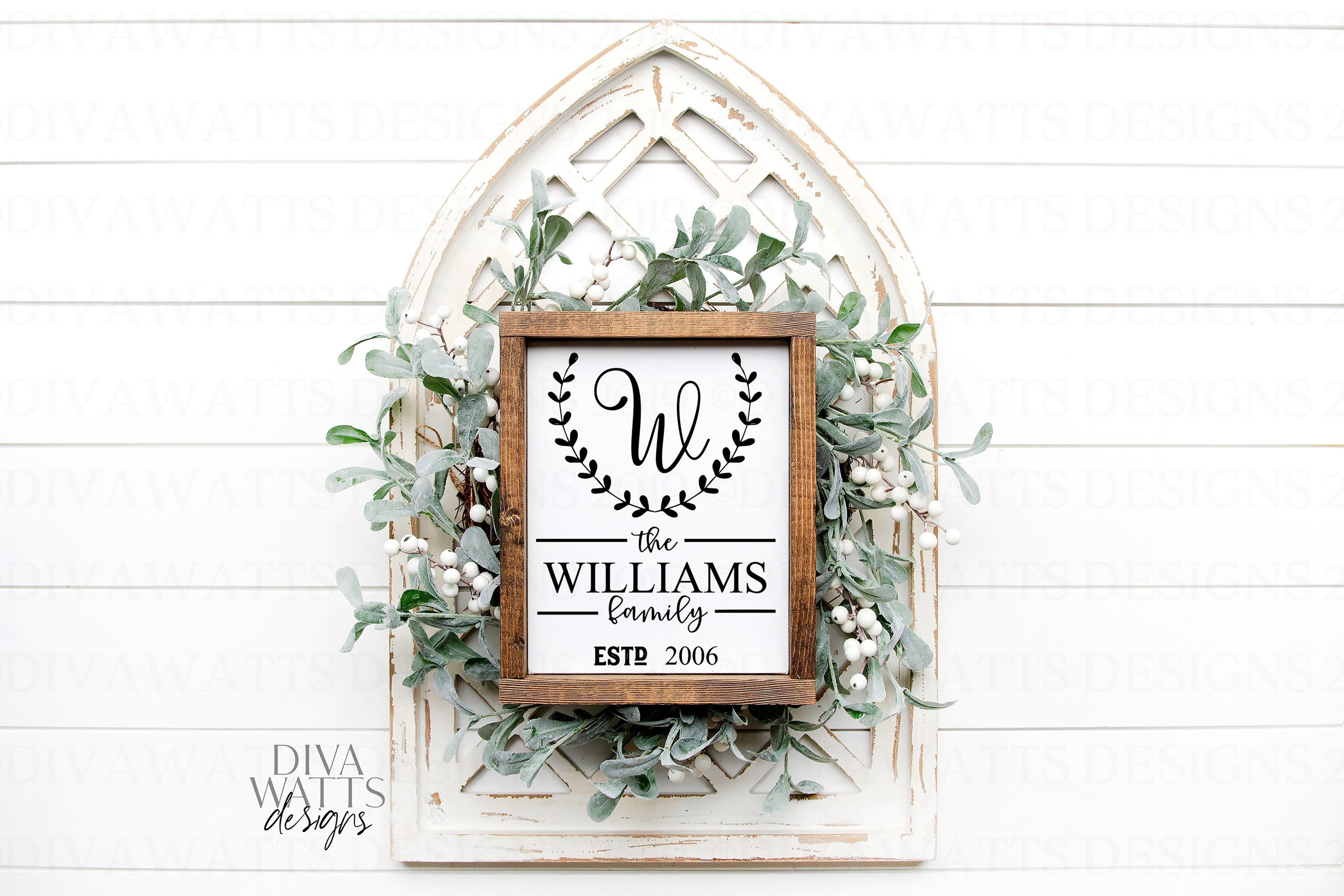Monogram Laurel Family Sign with Year - Customize SVG example image 3