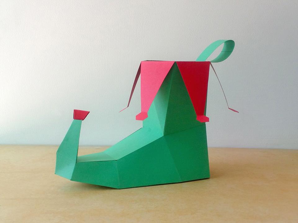 DIY Elf Shoe - 3d papercraft example image 2