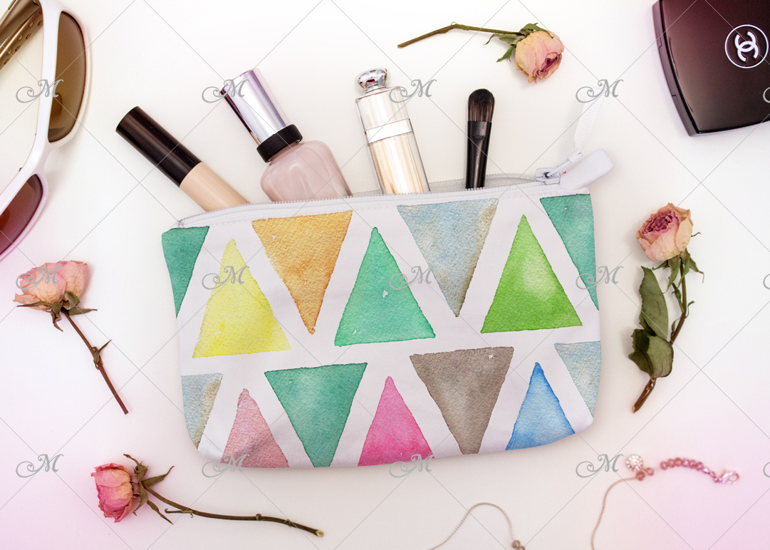 White Cosmetic Bag Mock-up. PSD example image 2