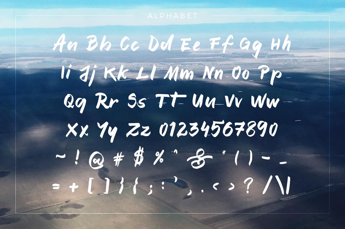 Motanly Typeface example image 2