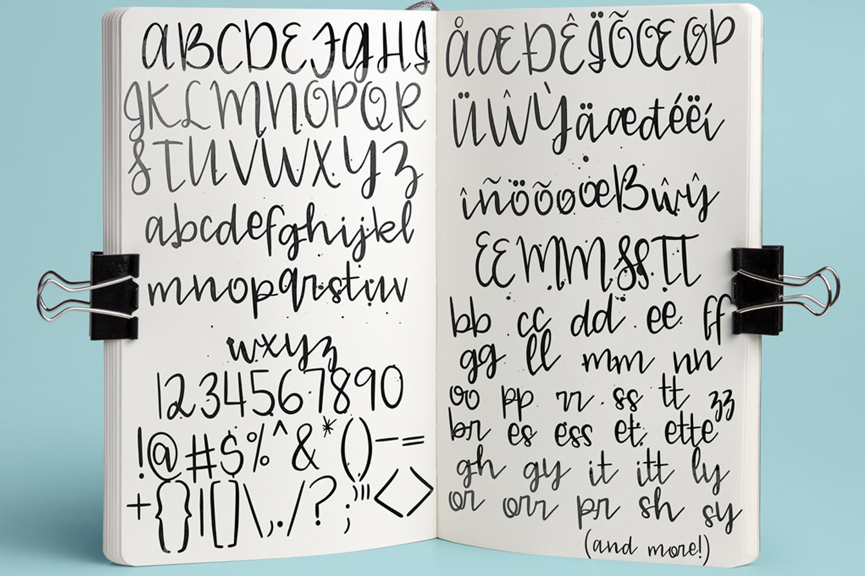 Blue Mason Font example image 2
