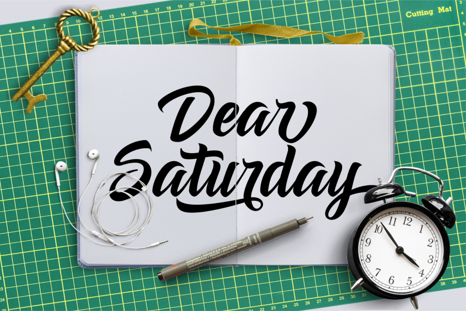 Dear Saturday Font example image 2
