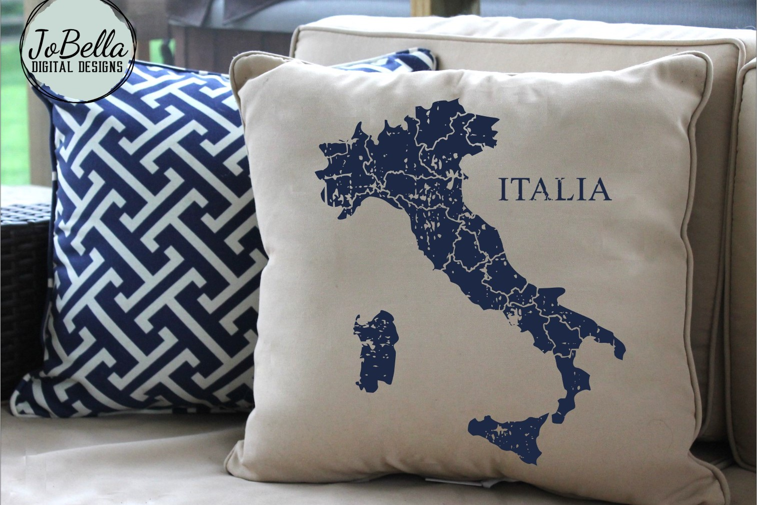 Italy SVG and Printable Distressed Map with Regional Borders example image 3