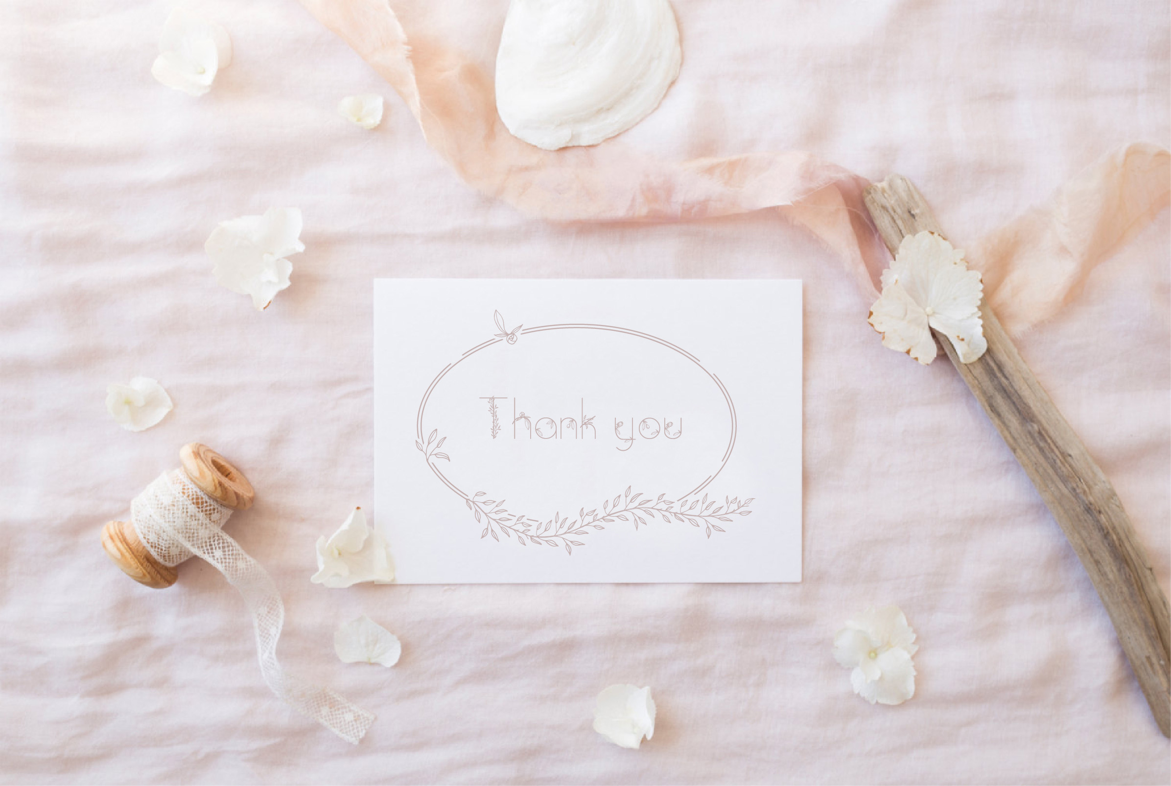 Amelie Floral Display Font example image 16