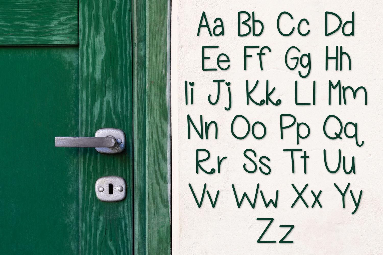 Girl Next Door, A handwritten font example image 3