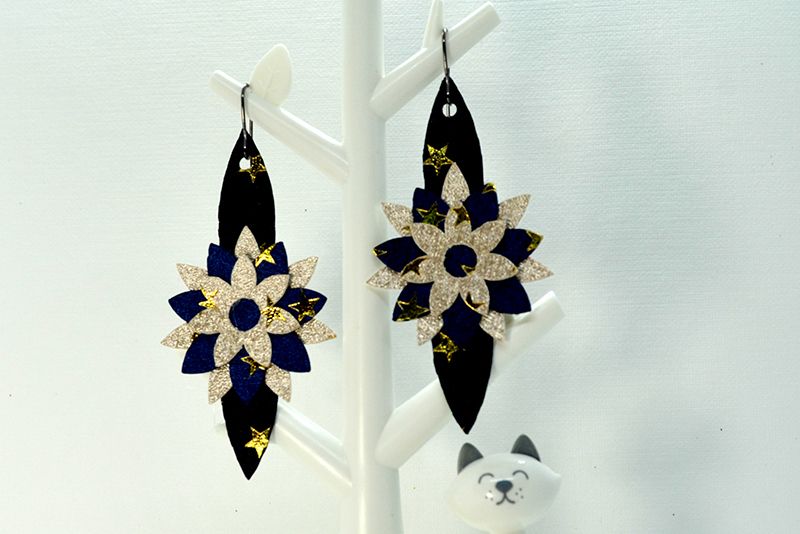 Flower earrings template SVG, DIY earrings template example image 3