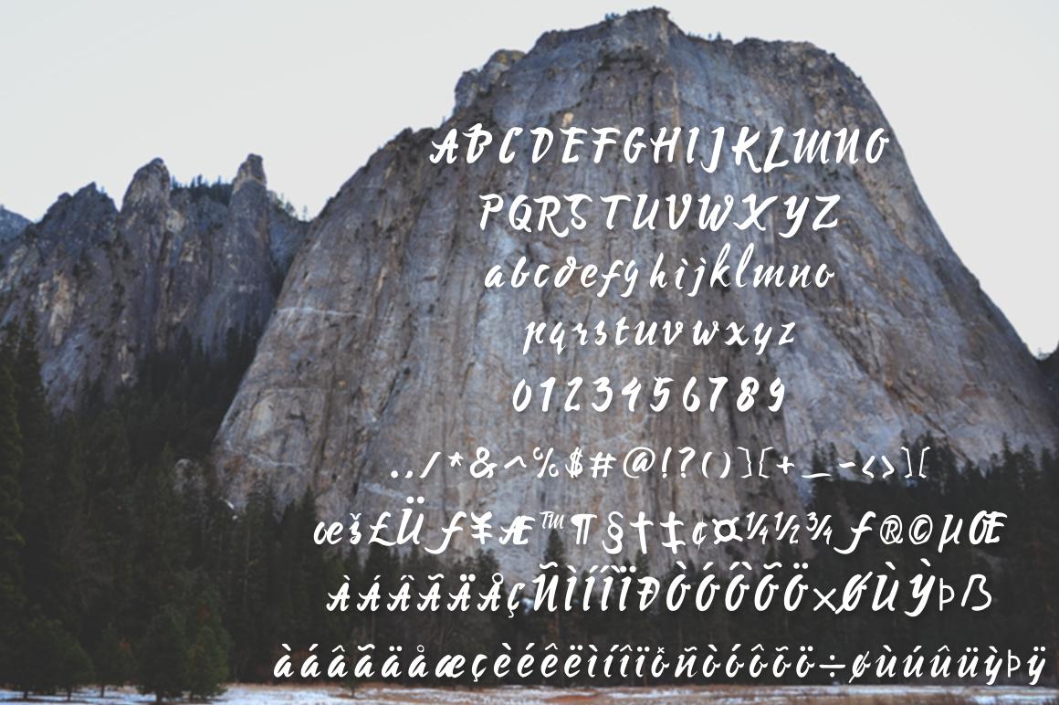 Mysera Typeface example image 4