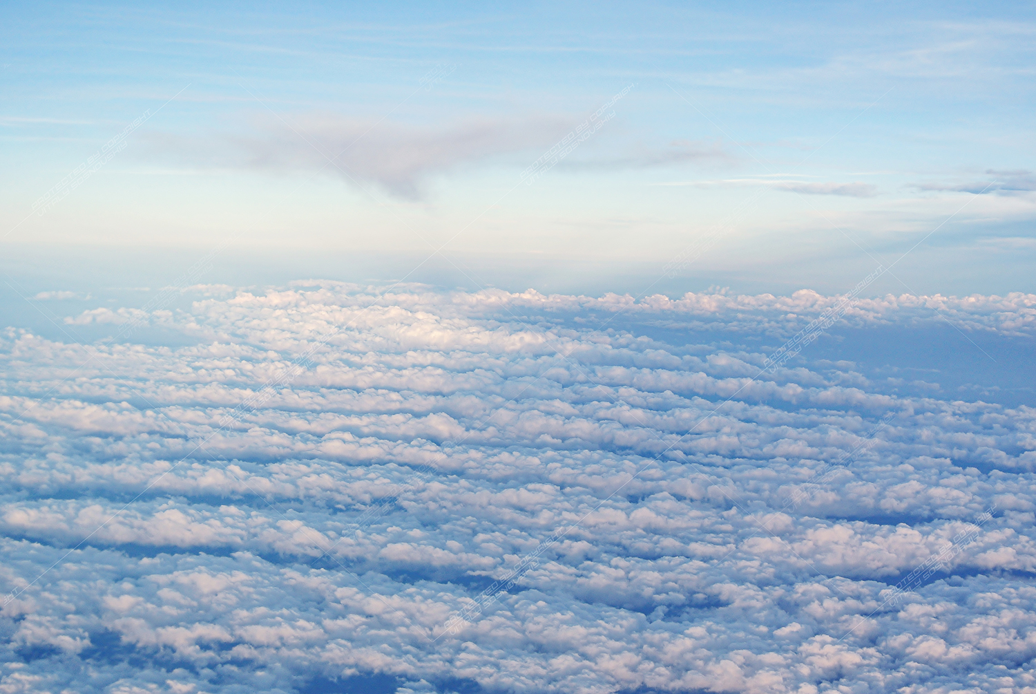20 Photos clouds and wings of airplanes example image 3