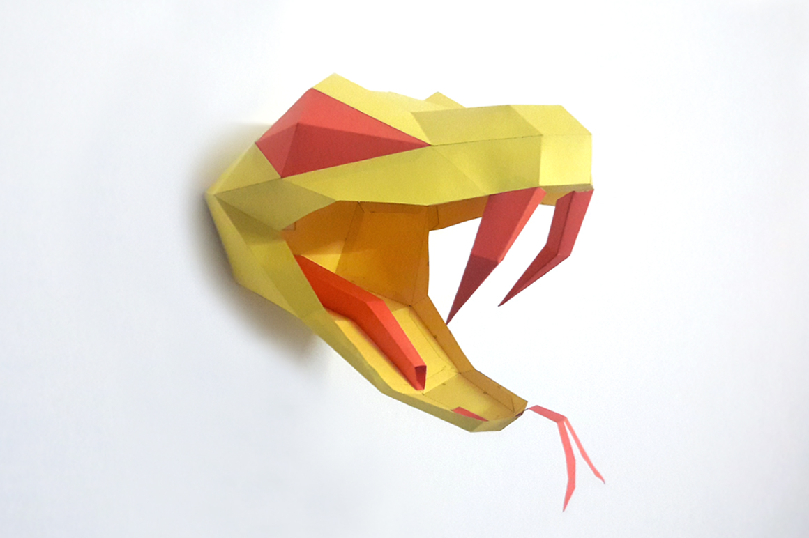DIY Snake head Trophy - 3d papercraft example image 1