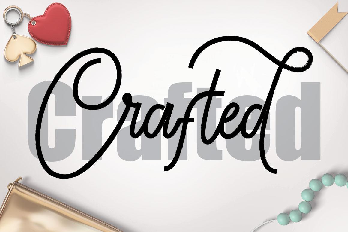 Lionettes Typeface example image 4