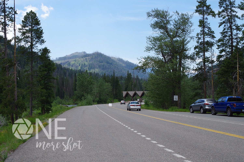 Yellowstone National Park East Entrance - Western USA Photo example image 1