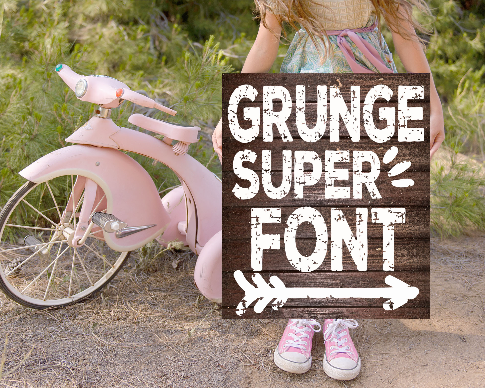 Super Grunge Font with Extras example image 1