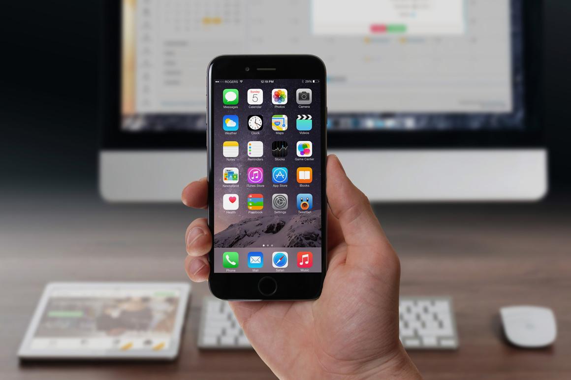 Handheld Device Mockups example image 5