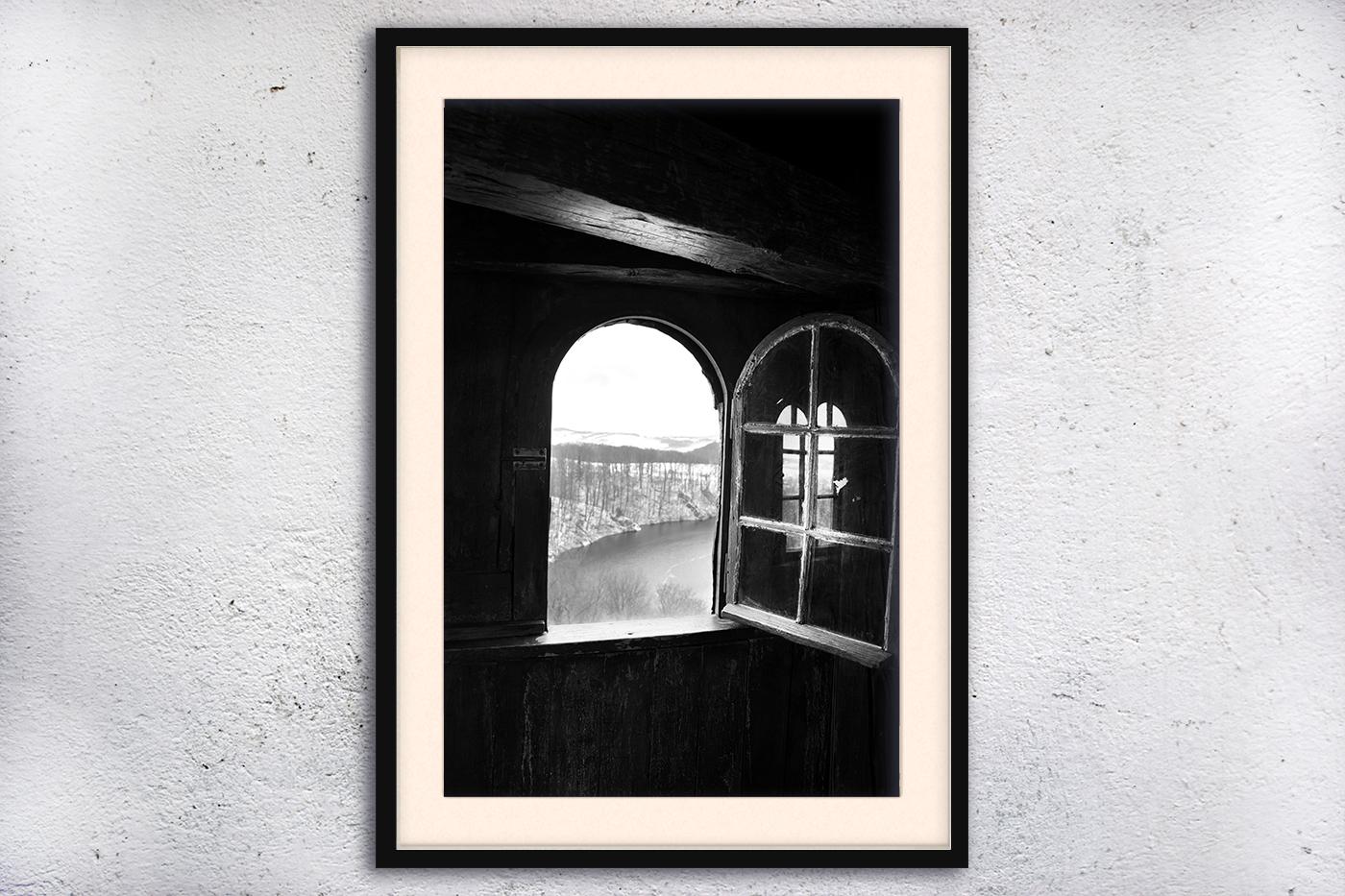 Window photo, architecture photo example image 3