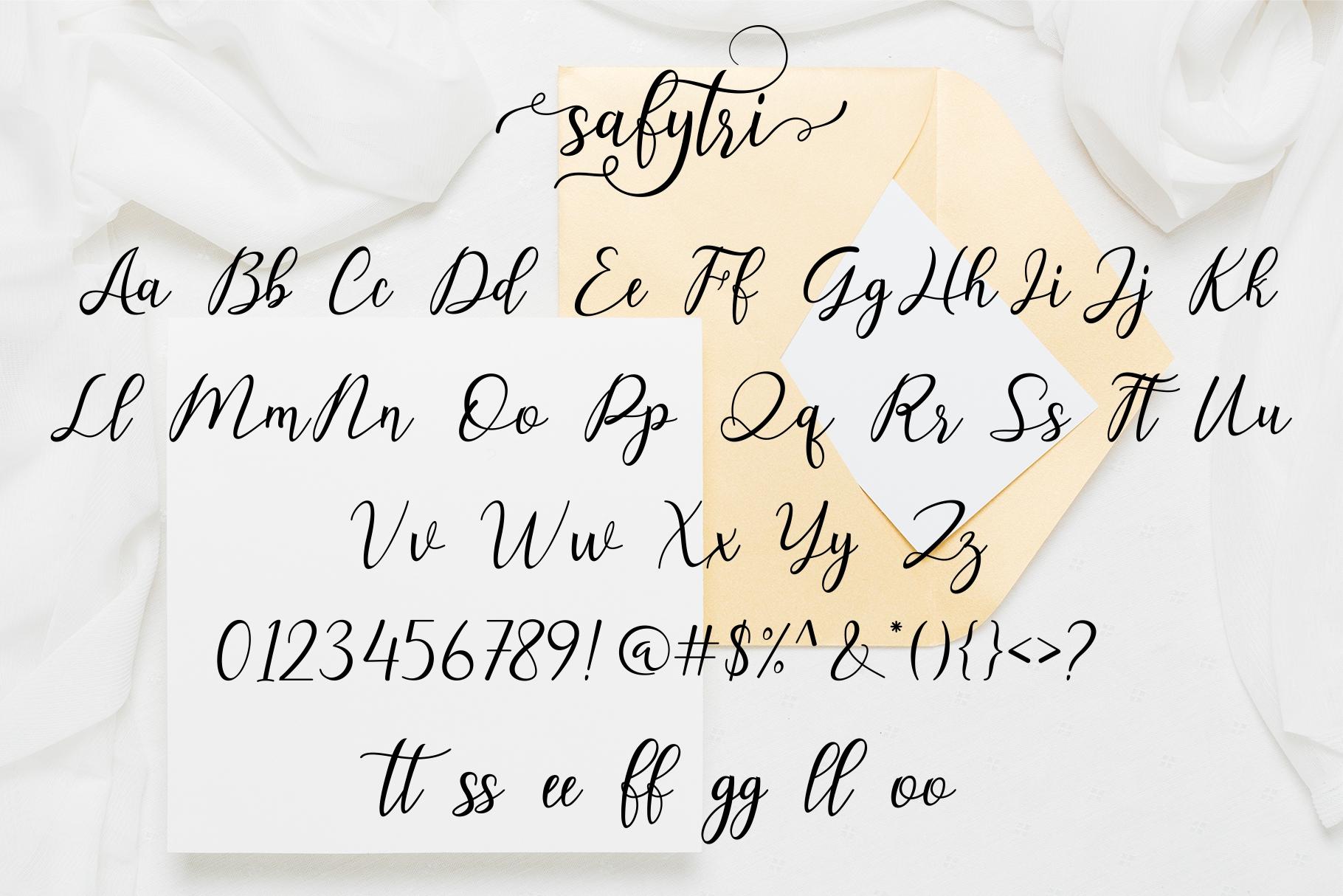 Safytri Lovely Script example image 9