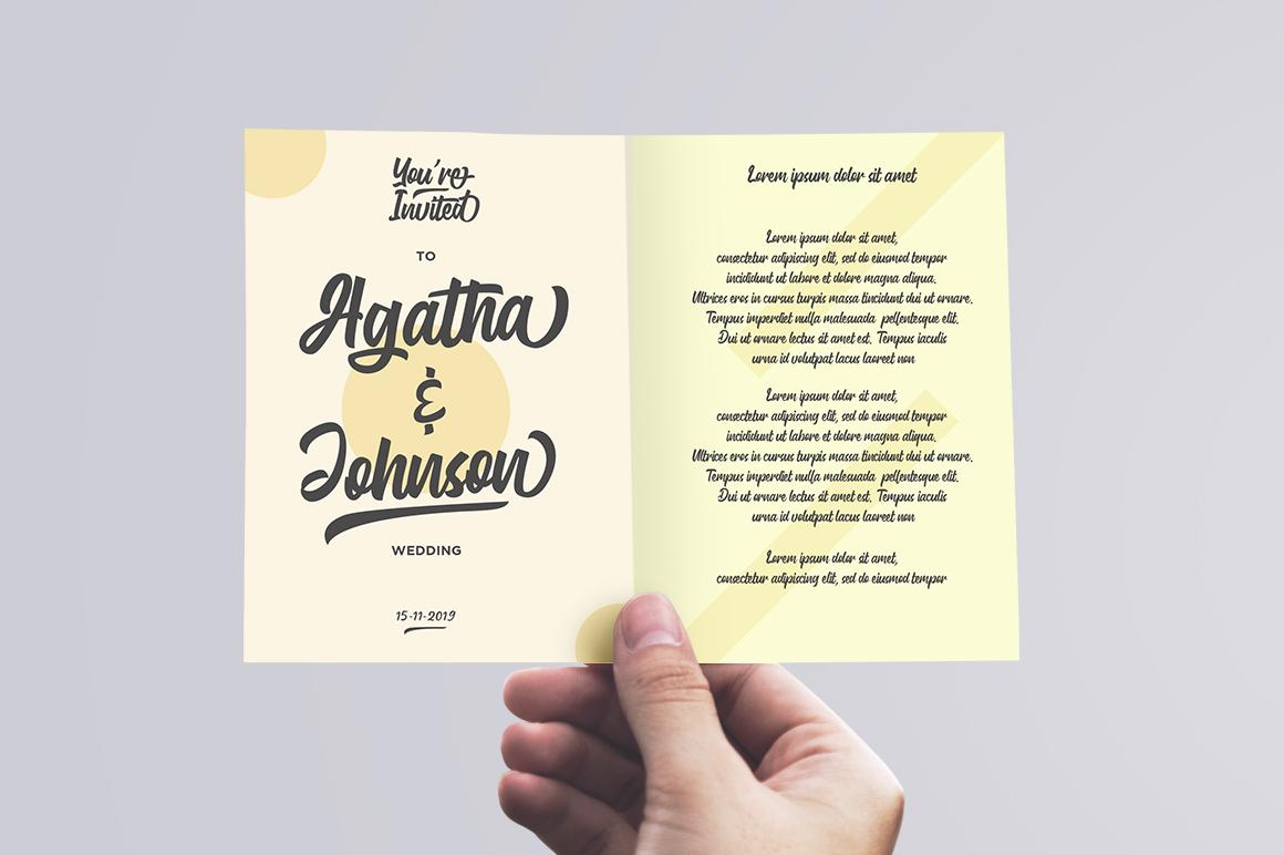 Gluottine Typeface example image 6