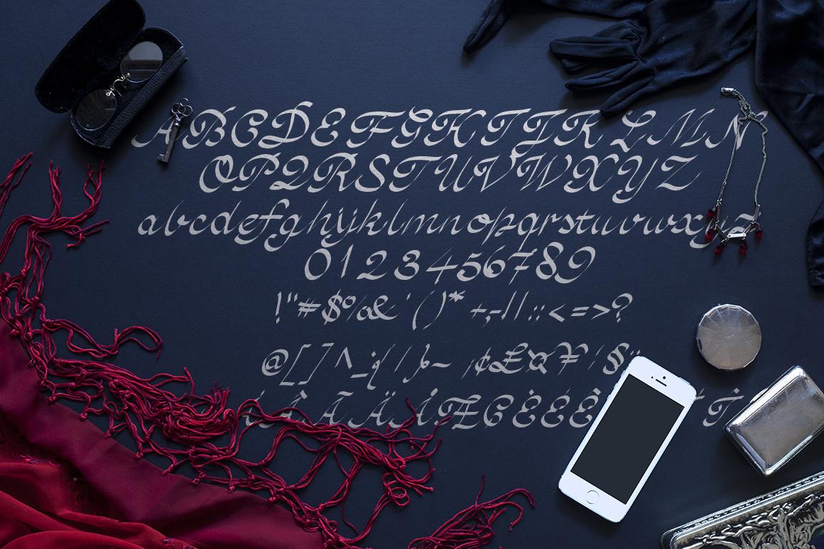Cinthia Typography example image 5