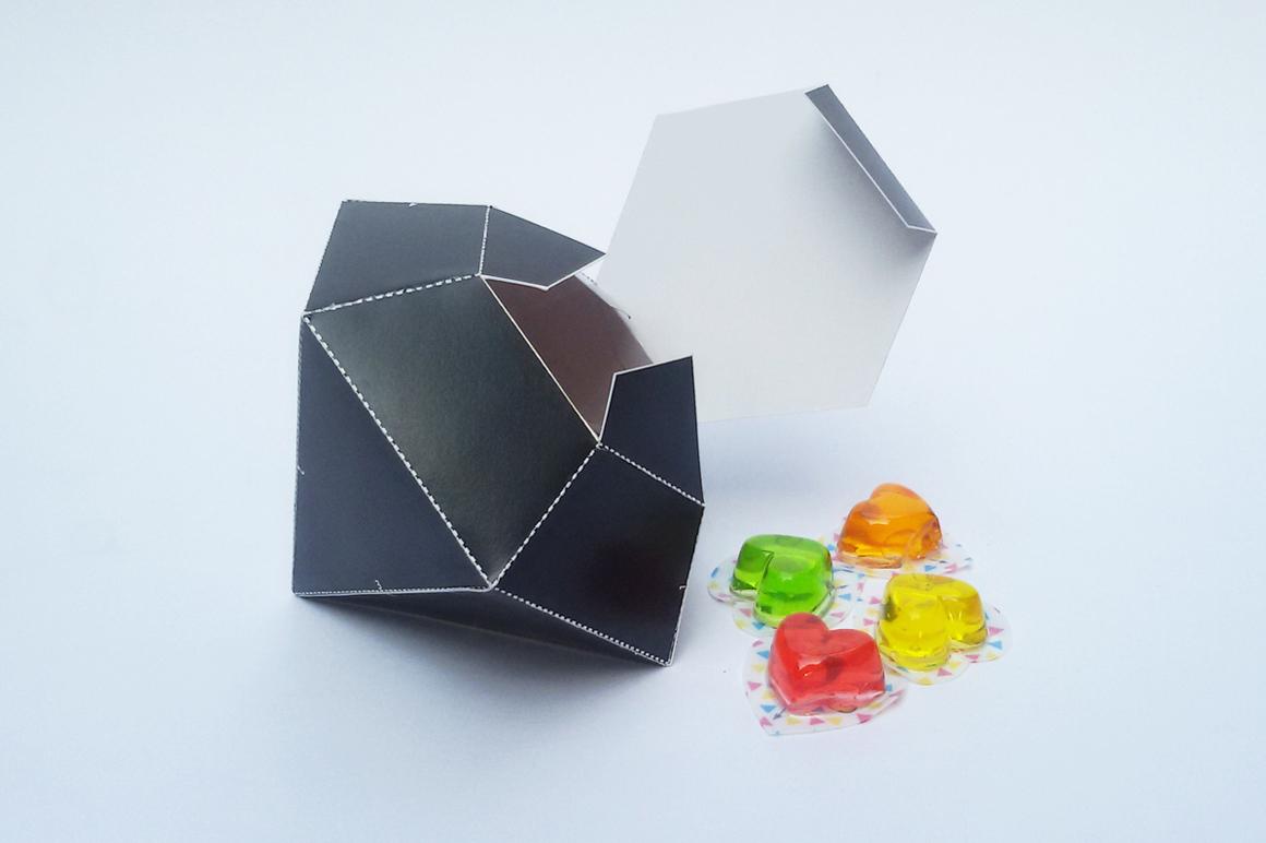 DIY Diamond favor - 3d papercraft example image 3