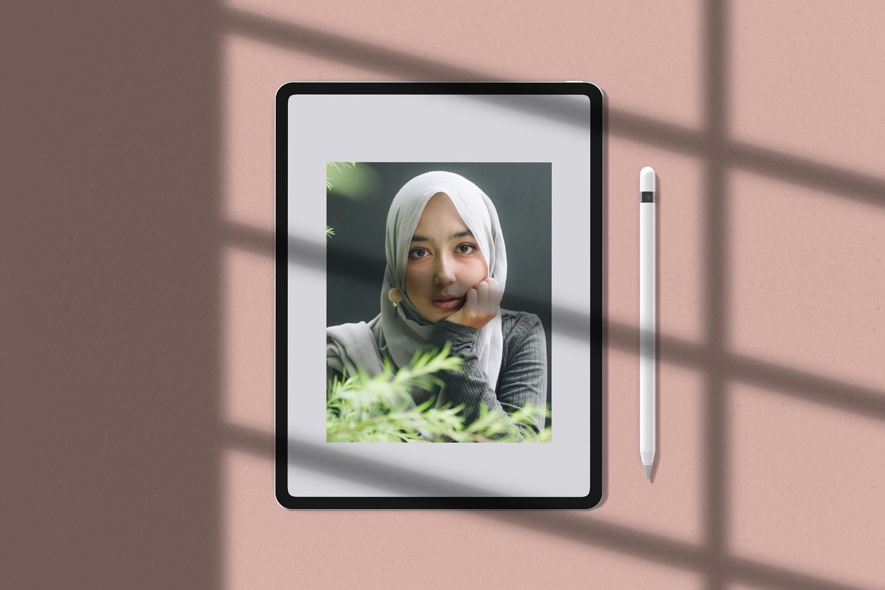 Minimal Devices Mock-Ups example image 9