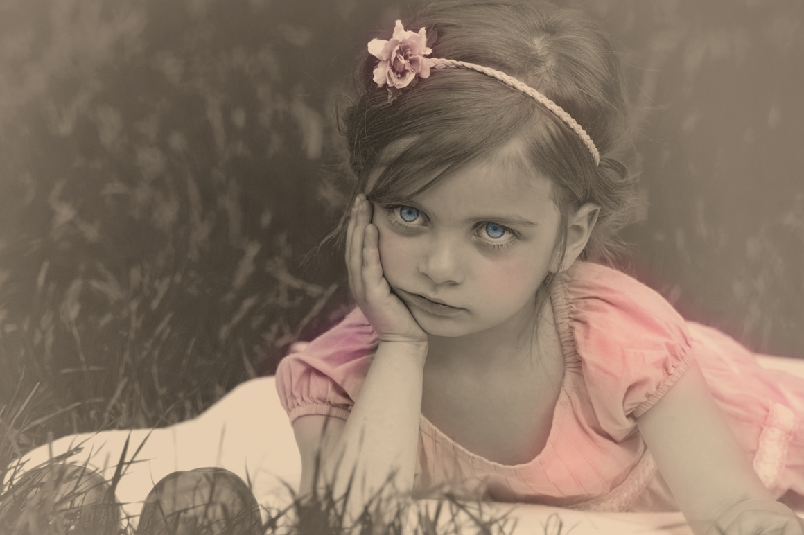 Colorized Old Photo Effect Photoshop example image 5