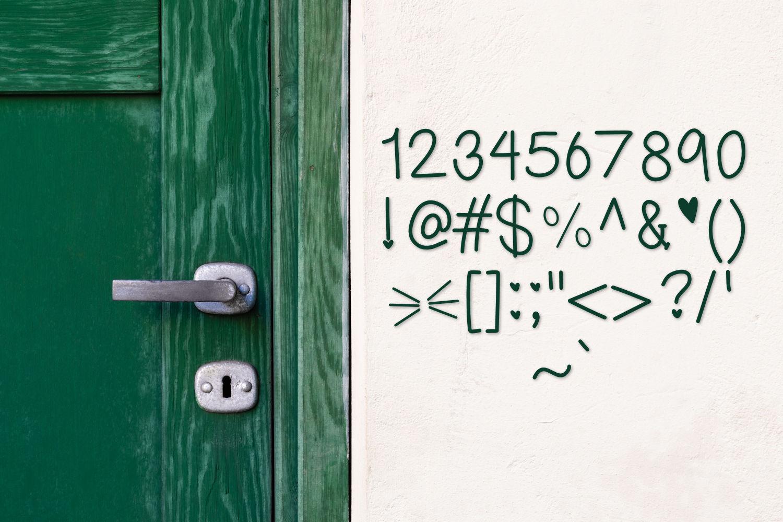 Girl Next Door, A handwritten font example image 5