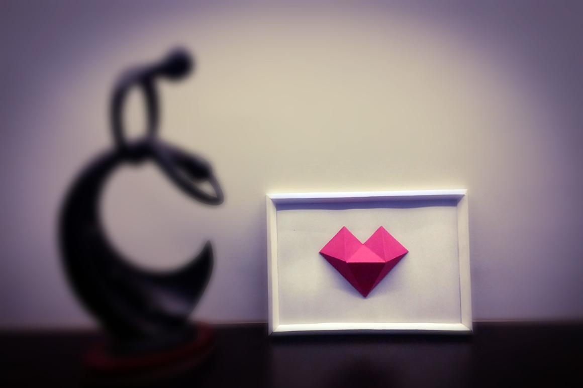 DIY Heart Frame - 3d papercraft example image 2