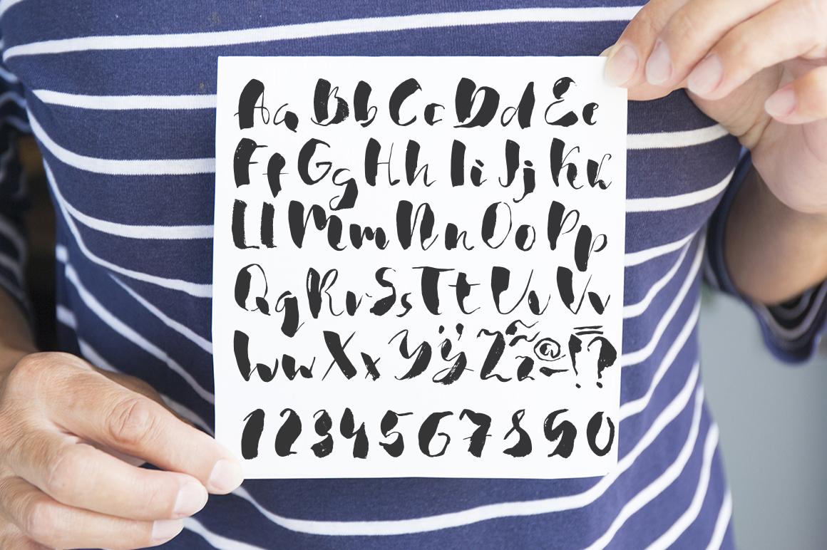 The sponge handwritten ink font example image 1