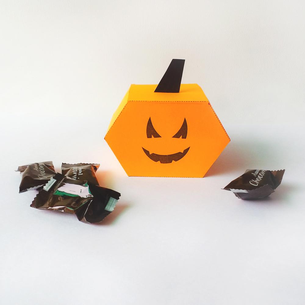 DIY Pumkin favor - 3d papercraft example image 4