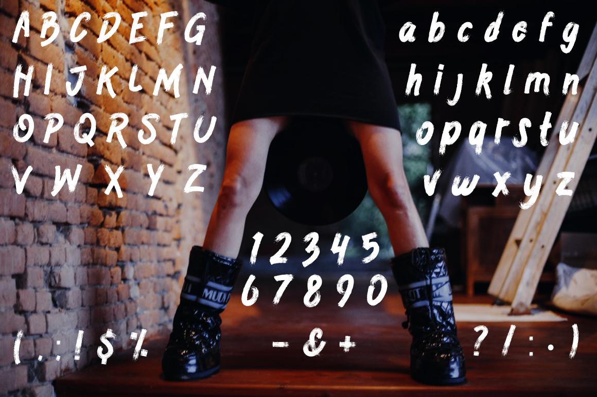 Geradakan Typeface example image 2