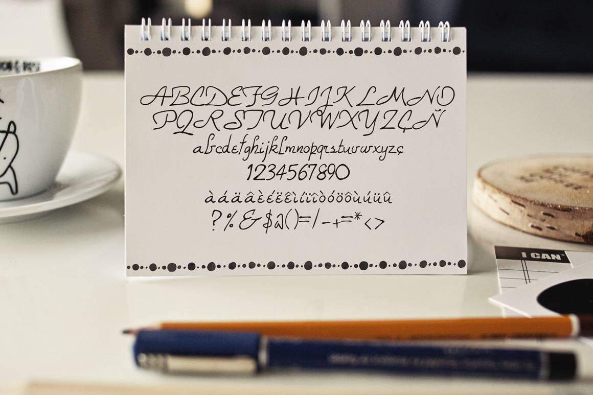 Robix Typeface + Extras example image 2