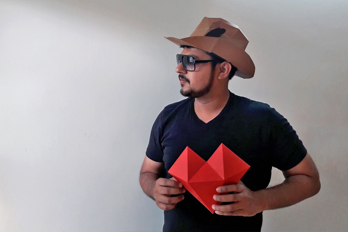 DIY Paper hat & heart - 3d papercraft example image 1