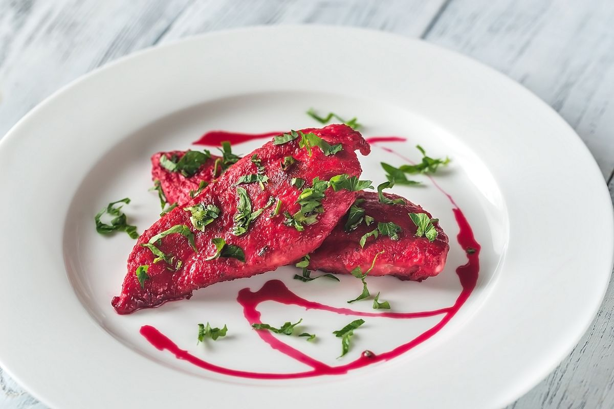 Scaloppini - chicken with beetroot sauce example image 1