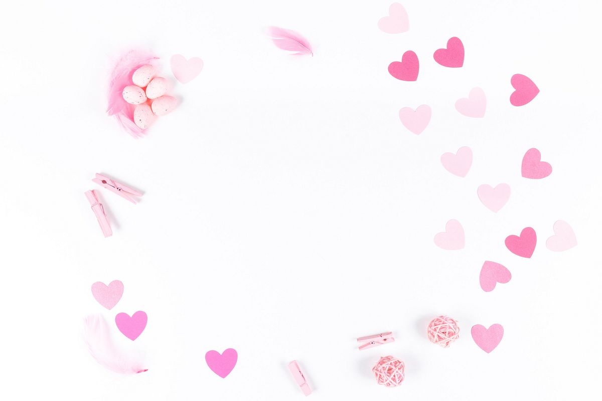 Set of 8 Valentine's Mockup's example image 1