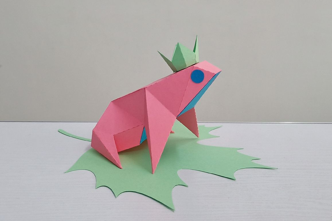 DIY Frog sitting on leaf,digital download,papercraft frog example image 1