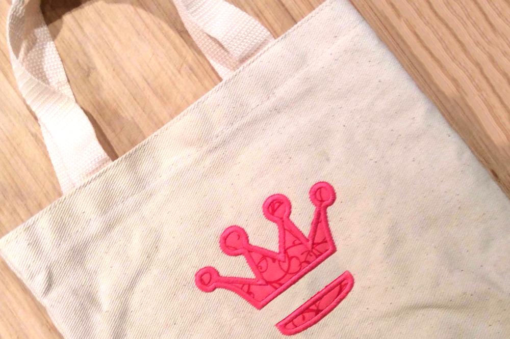 Princess crown split applique embroidery design